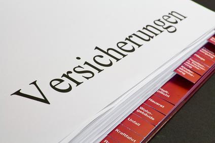 """Offener Ordner mit Register und Beschriftung """"Versicherungen"""""""